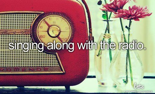 Vintage - Red Radio