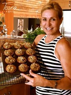 Eat Clean Pumpkin Oatmeal muffins... will be great come this Fall :D
