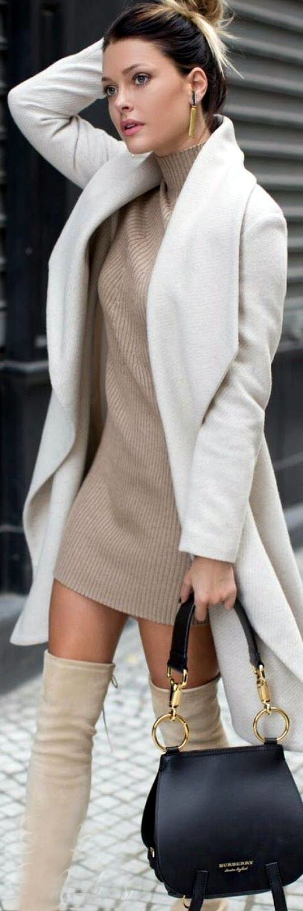 40 Stylish Turtle Neck Outfits to Earn Instant Attention