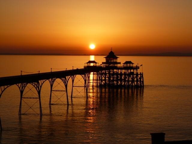 Clevedon Pier by Richard Bessant