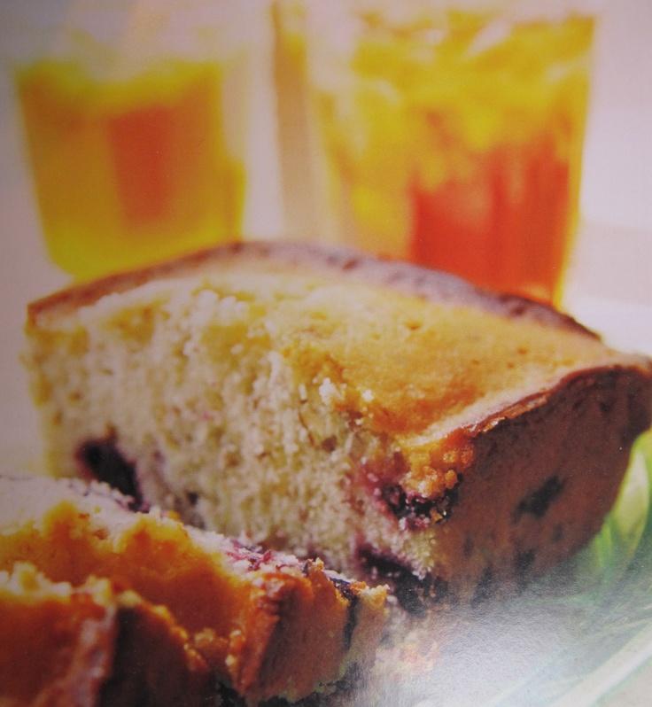Trisha Yearwood Lemon Blueberry Pound Cake