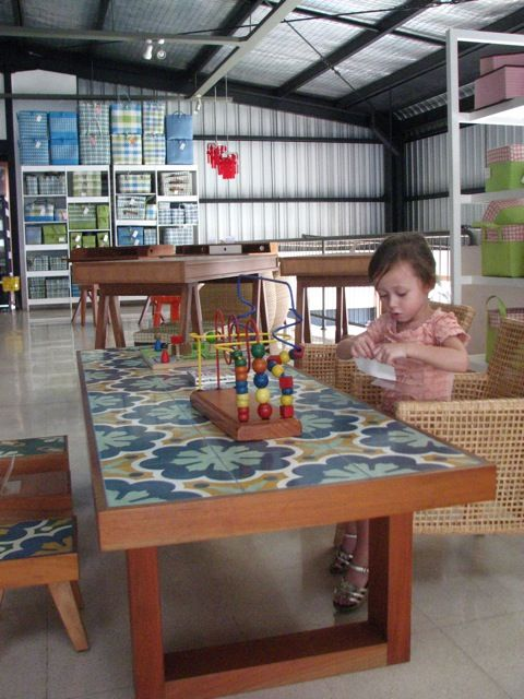 cayenne...love, love, love that table.