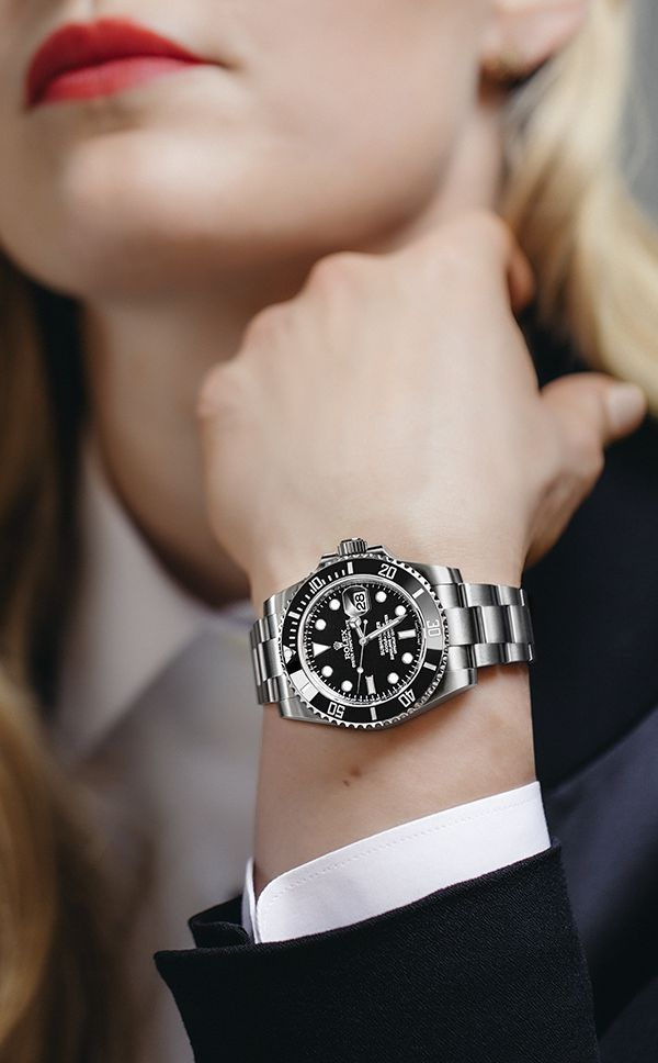 A close-up of Lindsey Vonn's Rolex Submariner Date. The US World Cup alpine ski racer and Rolex Testimonee demonstrating here how the versatility of the Rolex Submariner can be enjoyed by both ladies and gentlemen.