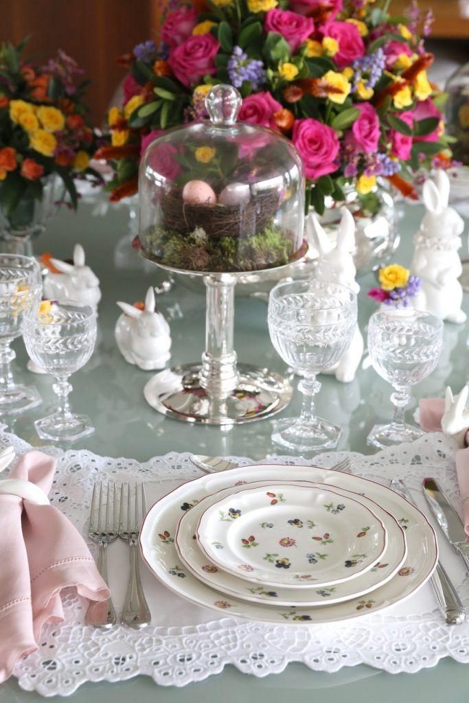 Inspire-se na decoração da sua mesa de páscoa, com flores, coelhos, e claro: os famosos ovos