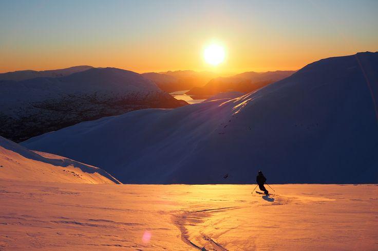 Helgens fineste solnedgang? | Ski | FRIFLYT.NO