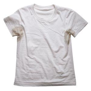 Dicas caseiras para tirar manchas de suor e desodorante das roupas