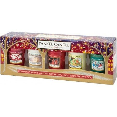 Enjoy all of Yankee Candle's most loved festive fragrances this Christmas with this votive gift set.  Including 5 amazing votives displayed in a charming box, this gift set is the perfect