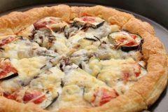 ディナー営業 まもなくスタートします  写真はやめられないとまらないピザ新年早々このピザを食べて今年もイタバジのサクサクパイ生地ピザにはまりましょう_  まさに名前の通りやめられなくなりますよ  http://ift.tt/1swOwqz   //////////////////////////////////////////// さくさくパイ生地ピザのお店 イタリアンバジル薬院店 ランチ 11時半15時 ディナー 18翌朝5時 福岡市中央区薬院4-1-10 共立薬院ビル1F TEL 092-522-3900 ////////////////////////////////////////////  #薬院 #イタリアン #パスタ #ペンネ #カジュアル #個室あり #オーガニック #無農薬 #国産 #イタリア産 #ピザ #パイ生地 #やめられないとまらないピザ #那須 #牛挽肉 tags[福岡県]