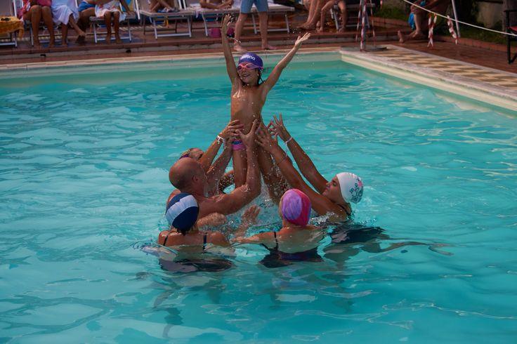 Giochi di Ferragosto: gara di nuoto sincronizzato