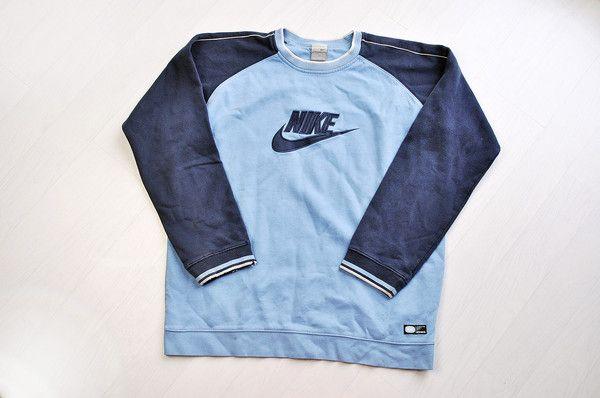 NIKE 2 tone blue / raglan sleeve