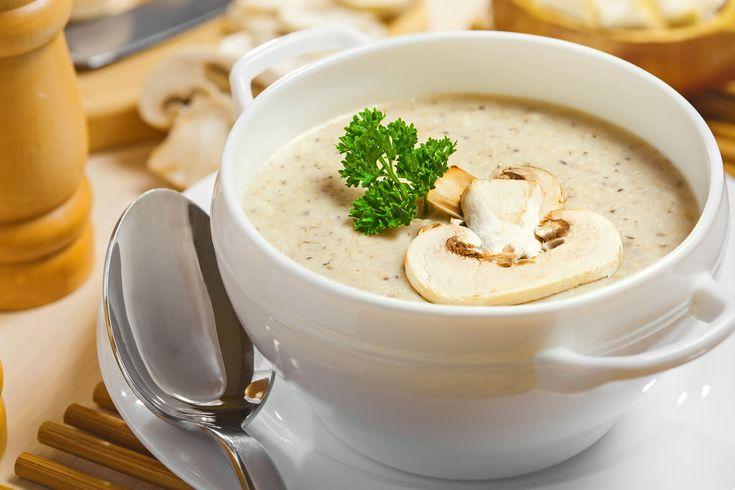 Η σούπα μανιταριών είναι ένα πλήρες γεύμα που μπορεί να μας ζεστάνει τις κρύες νύχτες του χειμώνα. Οι μοναχοί του Αγίου Όρους που δεν τρώνε κρέας έχουν πραγματικά «απογειώσει» τις συνταγές που περιέχουν φρέσκα υλικά απο τη μάνα γή. Δοκιμάστε αυτή τη σούπα και θα σας τρέχουν τα σάλια! Υλικά 600γρ. φρέσκα μανιτάρια ή 1 …
