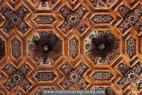Church Papardura Enna: details of the ceiling