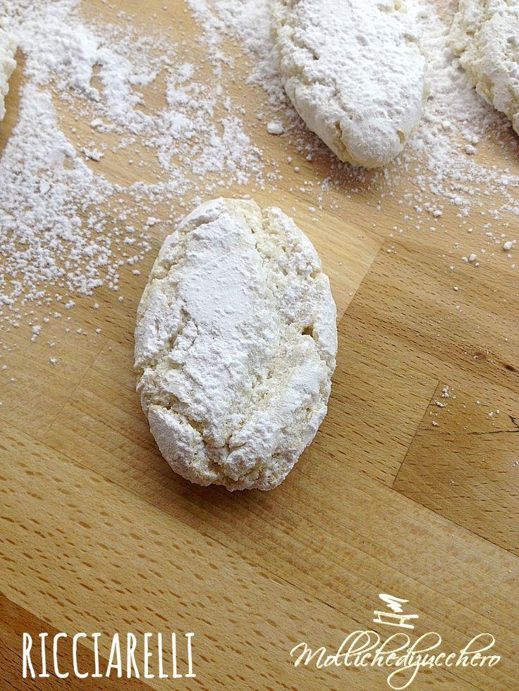 I #ricciarelli - #ricetta #facile - Molliche di zucchero