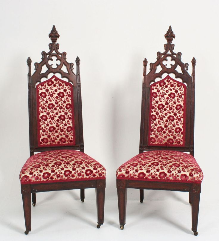 Exceptional pair neo gothic rosewood chairs horace walpole for Decoracion hogar gotica