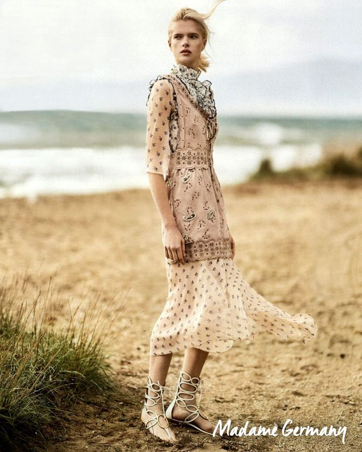 Romatic pink suede for the spring on Madame Magazin.