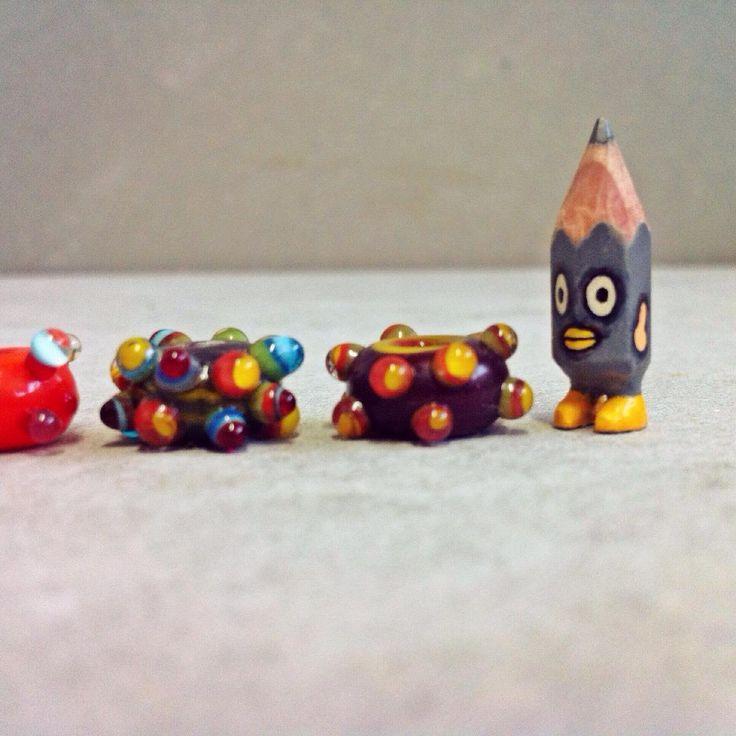 ✏️ #art #acrylic #artwork #tiny #figure #doll #tinydoll #wood #woodcarving #pencil #pencilman #etsy #creative #craftsposure #stationery #handmade #miniature #glass #bead #glassbead #lampwork