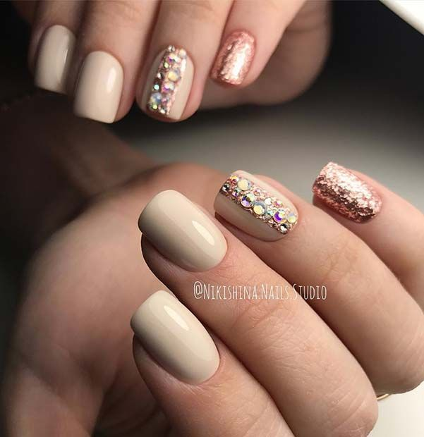 Elegant Nail Design With Glitter And Rhinestones Rhinestone Nails Elegant Nail Designs Nails Design With Rhinestones