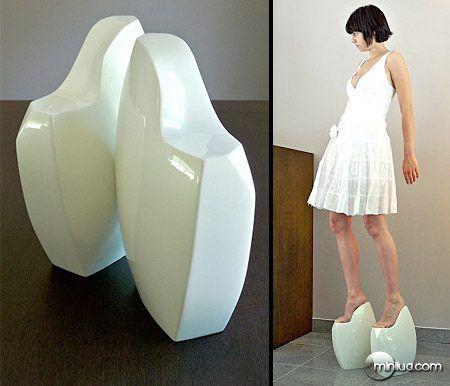 Sapatos criativos e estranhos
