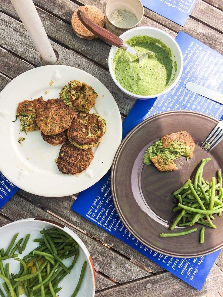 Galettes de millet aux épinards, sauce concombre basilic |sans gluten (option) vegan| | The Wellness Nutritionista