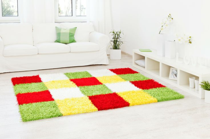 lineares Kachelmuster mit frischen hellen Farben - Teppich Al Mano