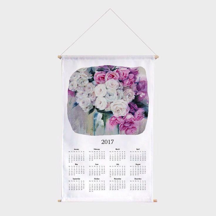 Очень нежный текстильный календарь с охапкой морозных акварельных роз. На Hipoco.com ловите по слову утро Кстати у календаря два размера и тот что побольше(58х37) очень классный! РекомендуемАвтор принта @ihappygirl. 1500  большой 1400  маленький. #hipoco…