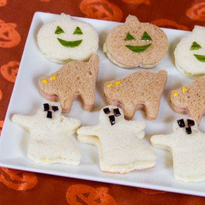 Cute Halloween Sandwiches to make lunch more fun-- I'd still have to do PBJ for Ben but I like the shapes!!!