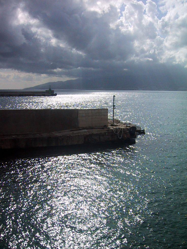molo Villa San Giovanni (RC) imbarcadero traghetti Caronte - vista dello stretto di Messina