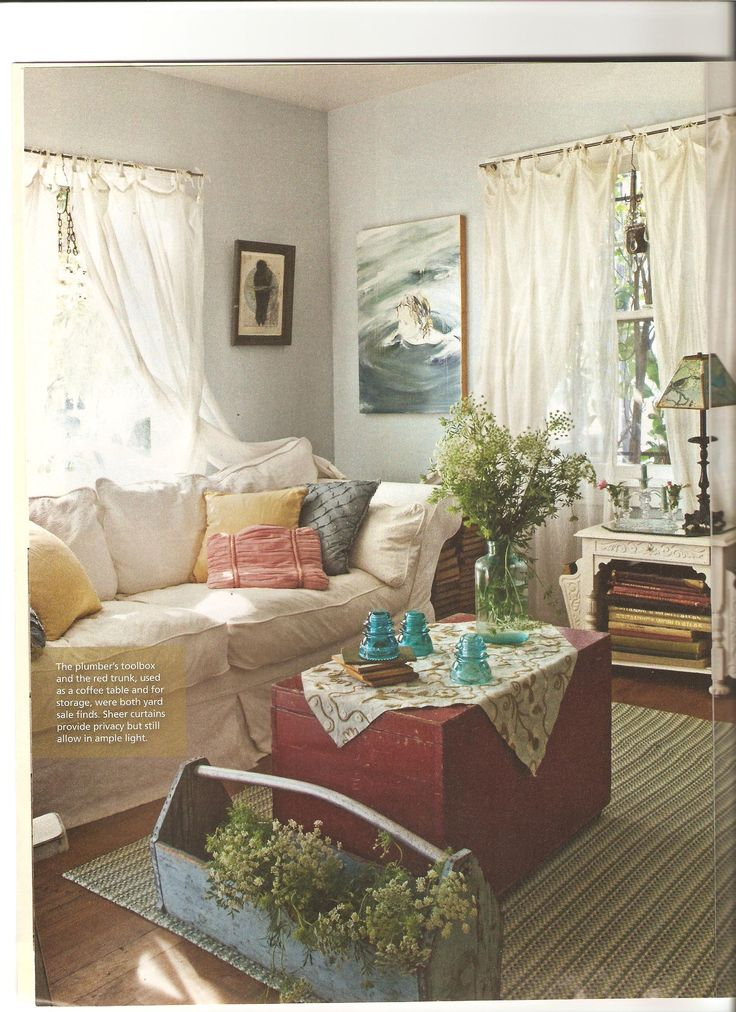 Country Cottage Style Living Rooms | Artist Lynn Hanson's little cottage | ~ House Crazy ~