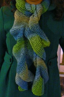 Leafy Sea Dragon Scarf by Renee Van Hoy - free loom knit pattern