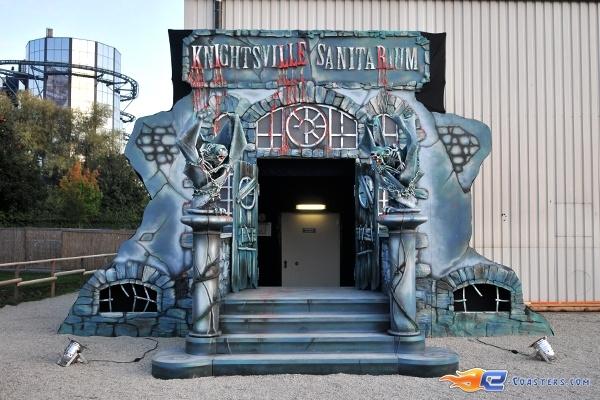 85/92 | Photo des soirées de l'horreur, Terenzi Horror Nights 2009 situé pour la saison d'halloween à @Europa-Park (Rust) (Allemagne). Plus d'information sur notre site http://www.e-coasters.com !! Tous les meilleurs Parcs d'Attractions sur un seul site web !!