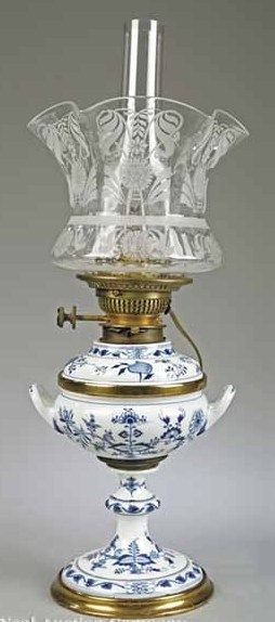 "A Meissen-Style Blue and White Porcelain Kerosene Lamp in the ""Onion"" Pattern."