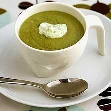 Illgrön soppa med fetaoströra