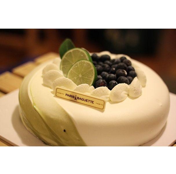 Green Tea Blueberry Cake from Paris Baguette
