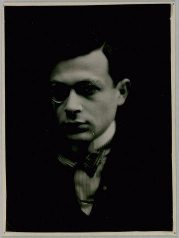 Portrait de Tristan Tzara, vers 1922