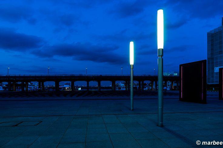 横浜のマジックアワー 象の鼻パークの街灯