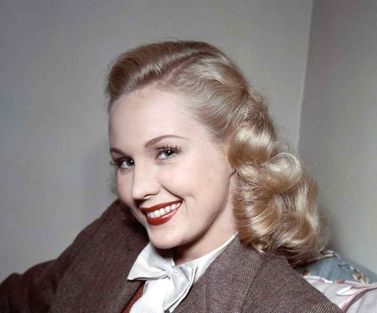 1940s-makeup-From-Summer-to-Autumn-1948-Virginia-Mayo