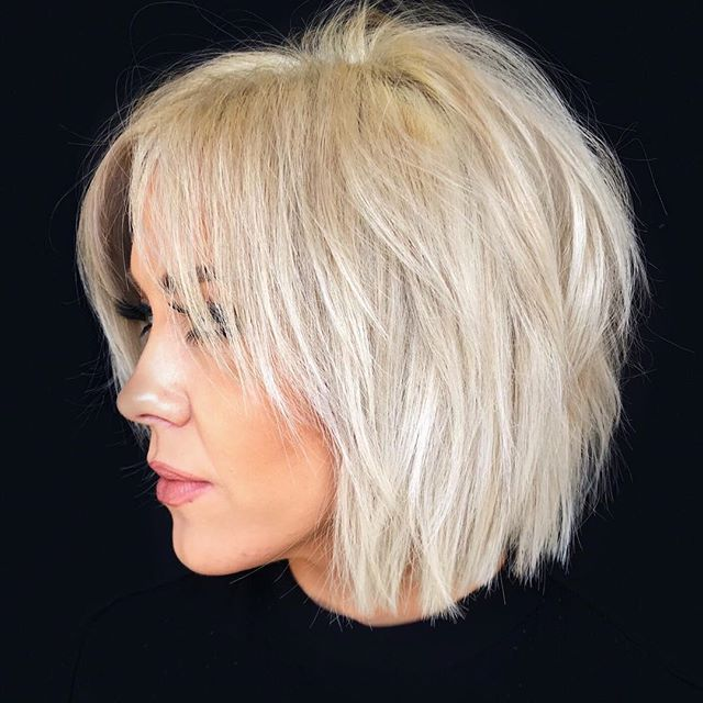 25 Schone Frisuren Halblang Bob Frisur 30er Frisuren Haarschnitt Videos