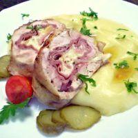 Kuřecí roláda s bramborovou kaší