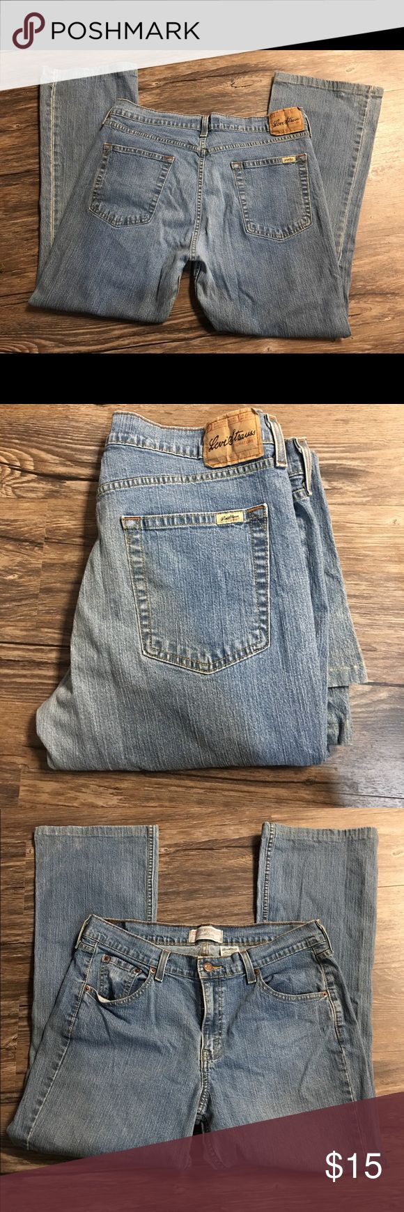 Levi Strauss Boot Cut Jeans Boot Cut Misses Size 14 Medium   99% cotton 1% Lycra Spandex Levi's Jeans Boot Cut