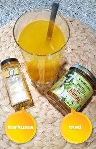 Úžasný detoxikační nápoj z kurkumy a medu