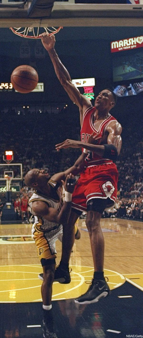 Errrbody worried about Jordan slamming on them, they forgot Scottie could do it too