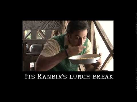 Barfi! - Ranbir gets Live entertainnment while eating lunch