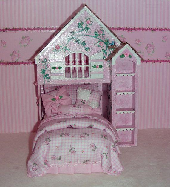 Pink & White Perfection PLAYHOUSE BED Dollhouse por MiniatureLane