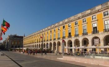 O Terreiro do Paço, em Lisboa, está finalmente a tornar-se um local aprazível.