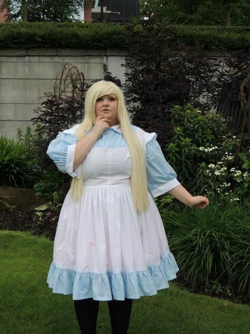 cosplay plus size costume convention diy sewing alice in wonderland
