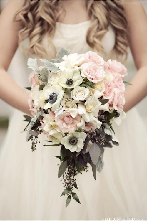 6 Winter Wedding Bouquets