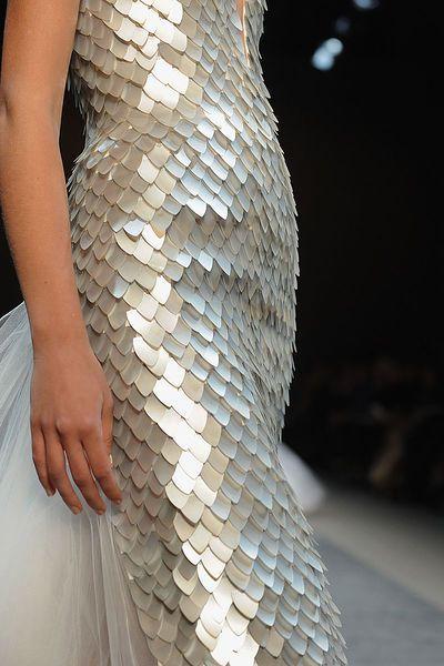 theeleganceofrunway:  Georges Chakra Couture, s/s 2011.