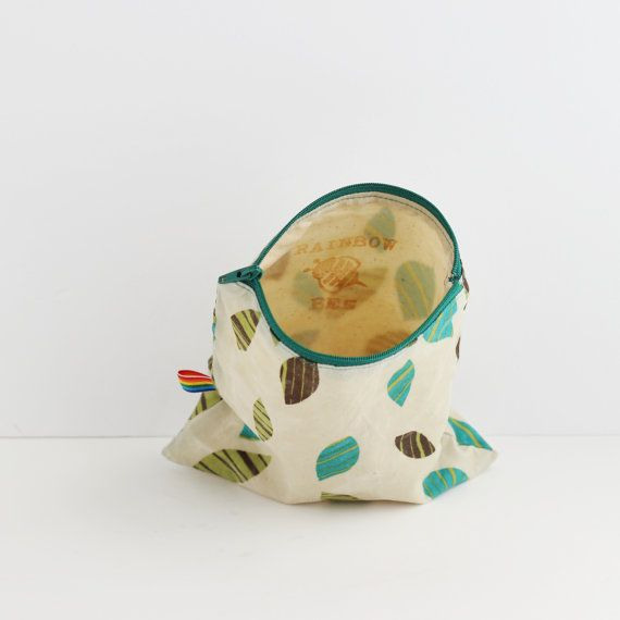 Beeswax Snack Bag, Reussable, Eco Friendly Food Storage Snack Bag, Natural, Food Safe, Reusable Snack Bag, Natural Alternative to plastic