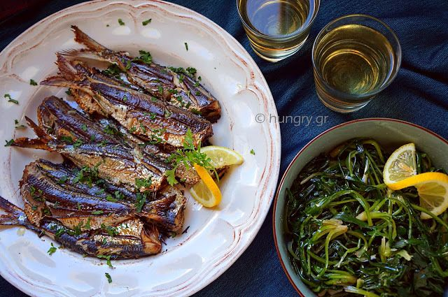 Kitchen Stori.es: Ψάρι Ψητό & Σαλάτα Σταμναγκάθι
