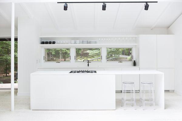 Wauw als deze keuken helemaal in wit molitli stuc gezet zou zijn Hoe waanzinnig zou dat zijn!!